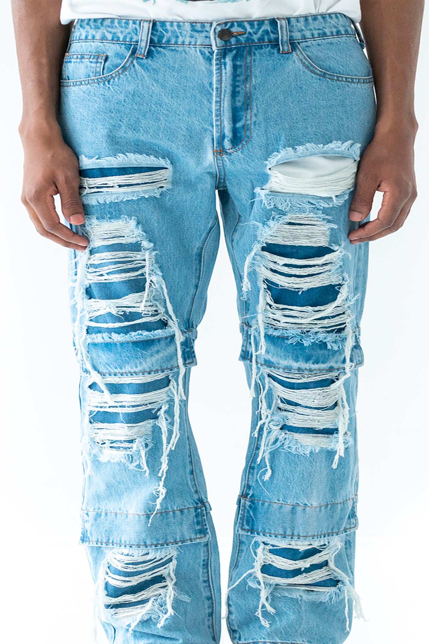 BLUE KNEE FLAP DISTRESSED DENIM