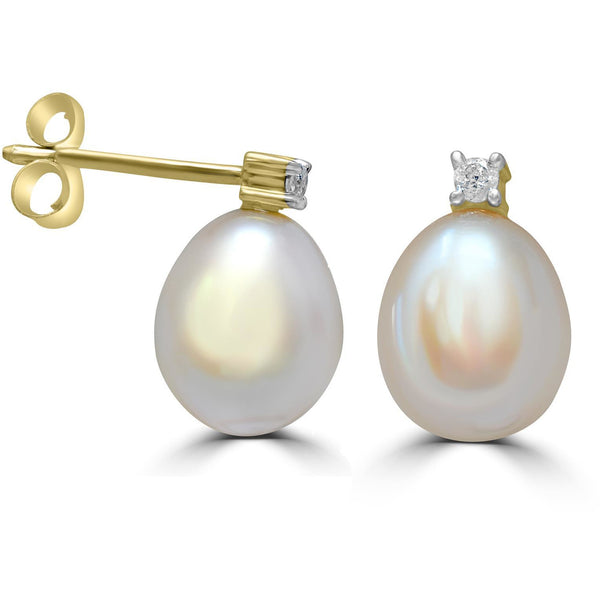 Pearl and Diamond Earrings in Yellow Gold