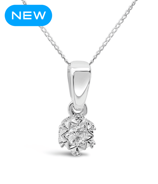 White gold diamond necklace with detailed setting and bright diamonds