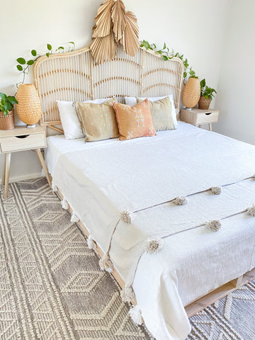 Moroccan Bedspread Pom Pom Blanket - All natural