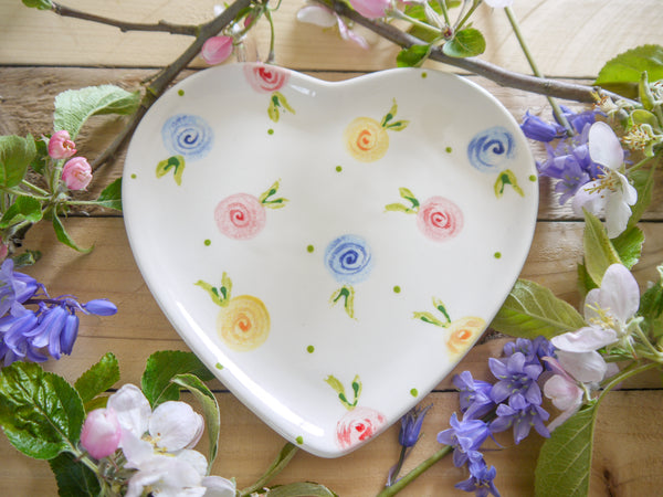 country cottage roses small heart plate