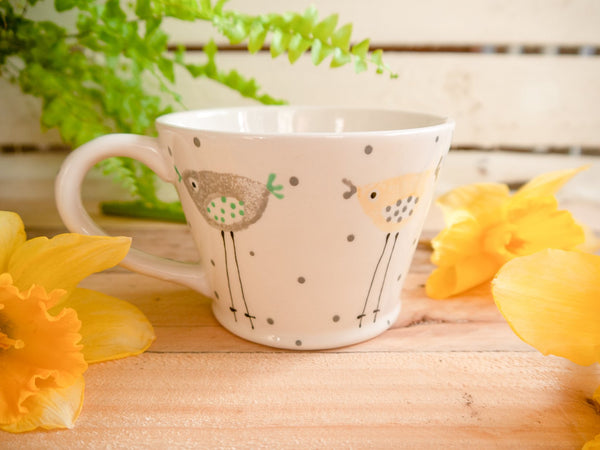 rita retro chicken tapered mug