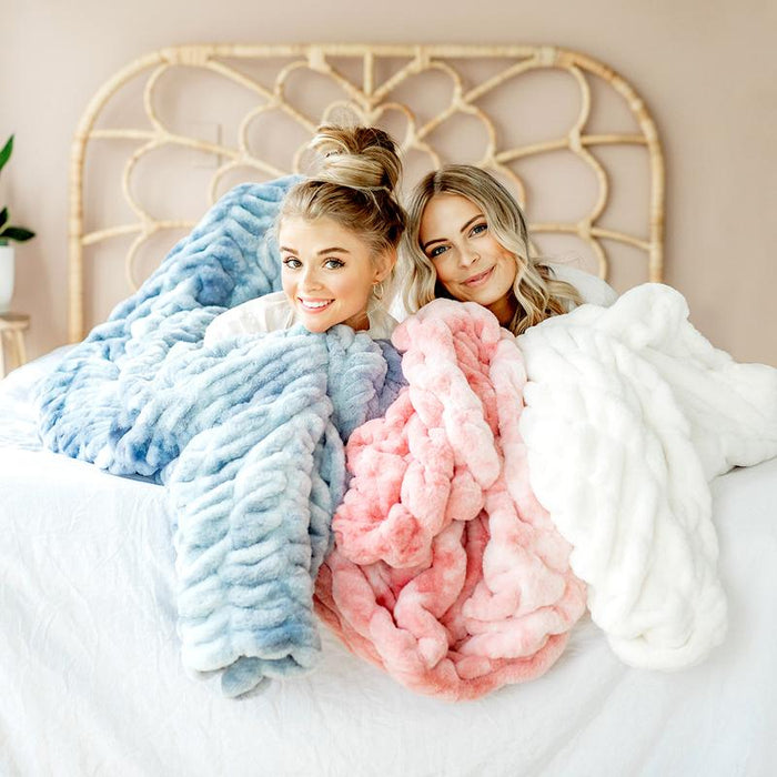 QUIZ: Are You The Ultimate Minky Couture Fan?