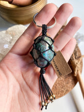 Load image into Gallery viewer, Chrysocolla Macrame