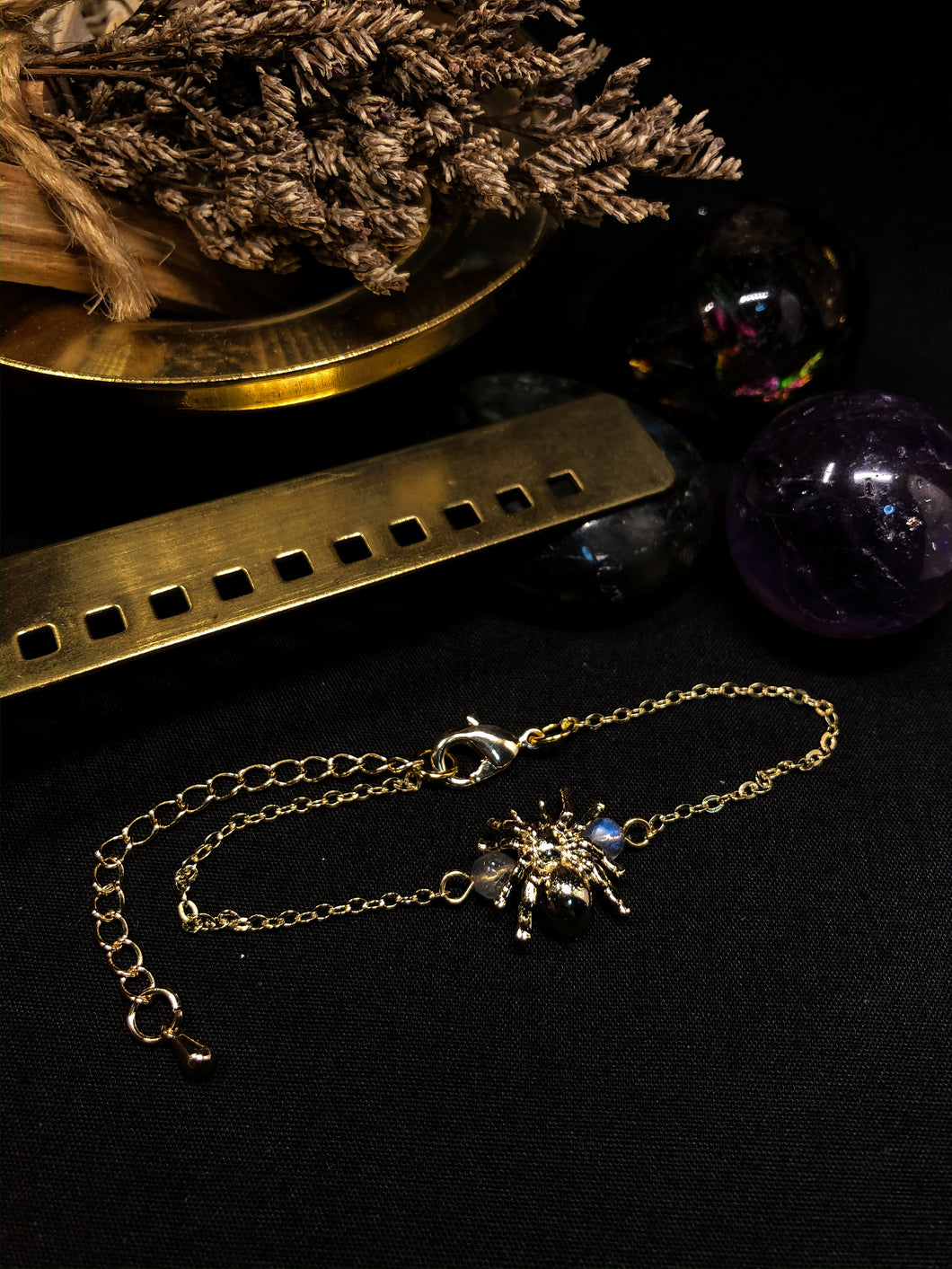 CREEPY CRAWLY Gold Bracelet
