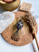Load image into Gallery viewer, Botswana Agate Macrame