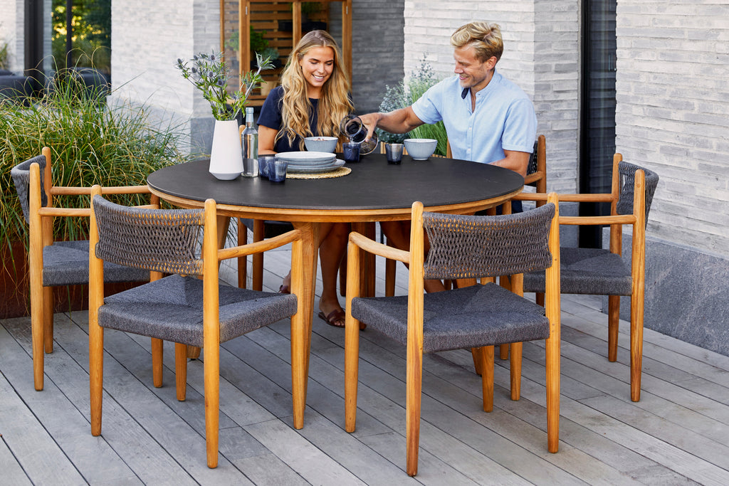 Take classic Danish design outside and create a luxurious outdoor space with the Royal dining chairs