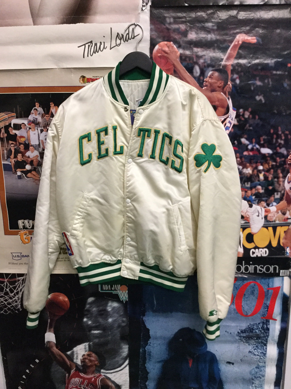 Starter Boston Celtics Satin Jacket XL - Decades of dope