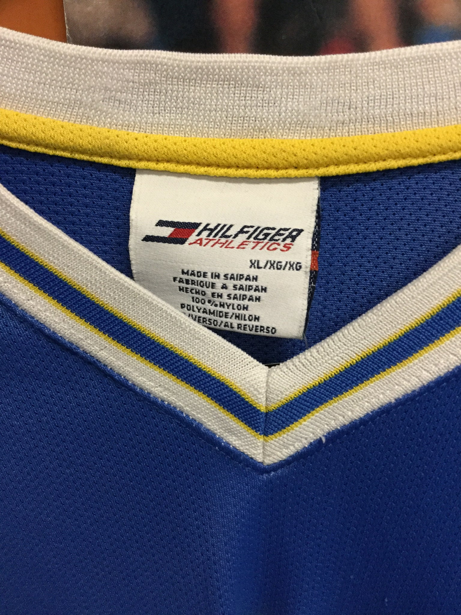 Tommy Hilfiger Soccer Jersey XL - Decades of dope