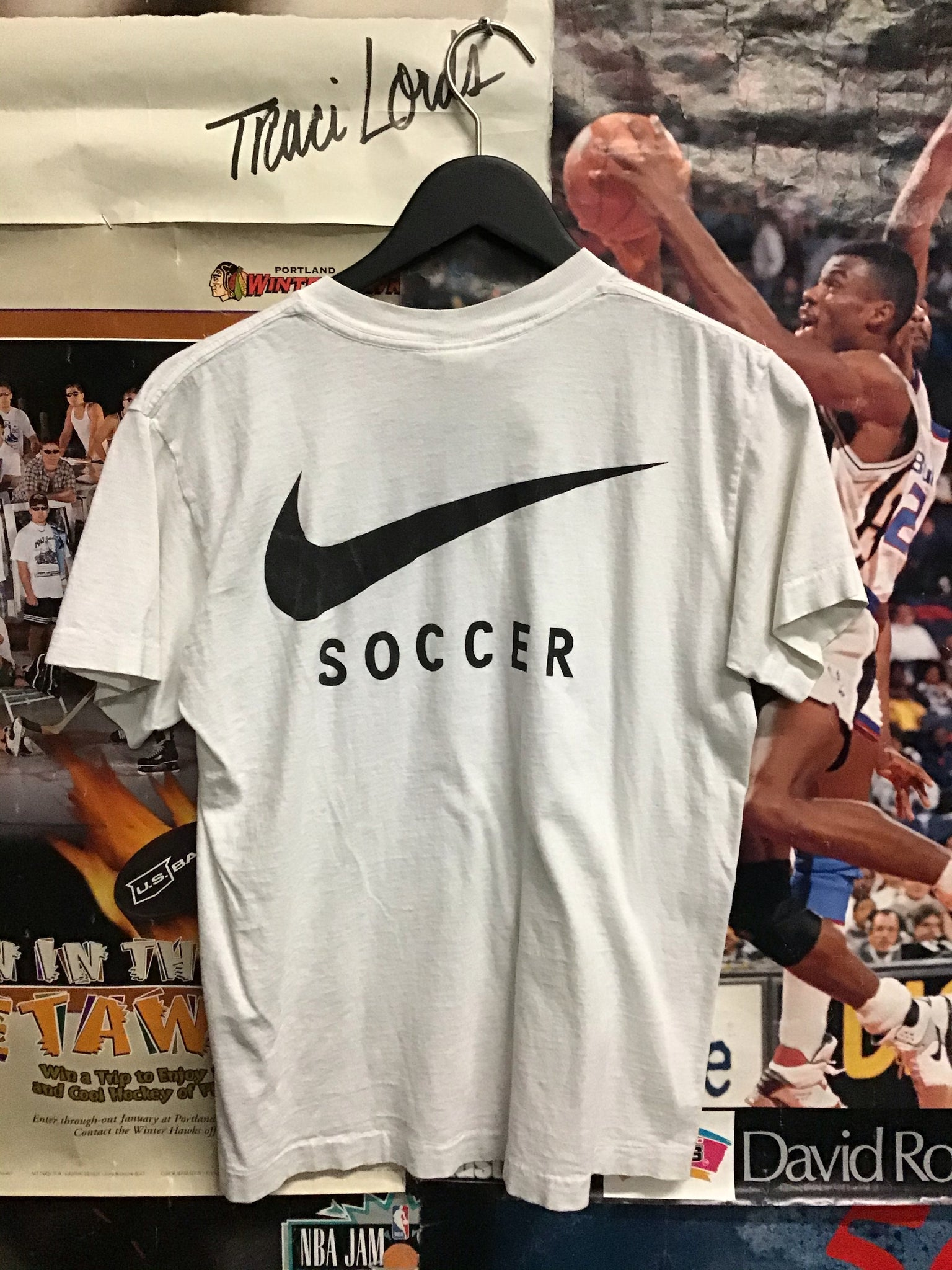 Nike Soccer Tee Youth Large - Decades of dope