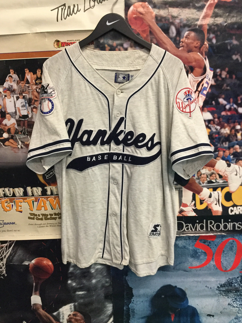 Starter New York Yankees Jersey Large - Decades of dope