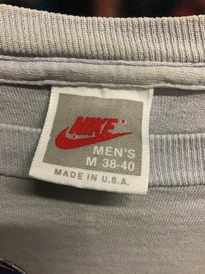 Nike Cascade Run Off Tee Medium - Decades of dope