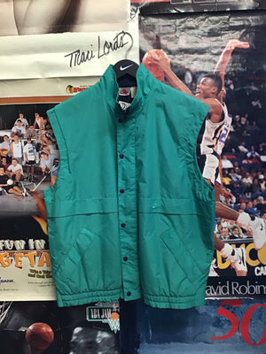 Nike Vest Med - Decades of dope