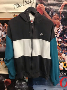 Nike Hoodie Medium - Decades of dope