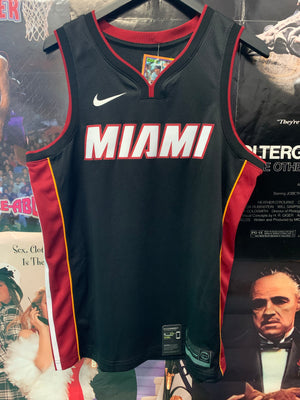 Miami Heat Jersey Large - Decades of dope