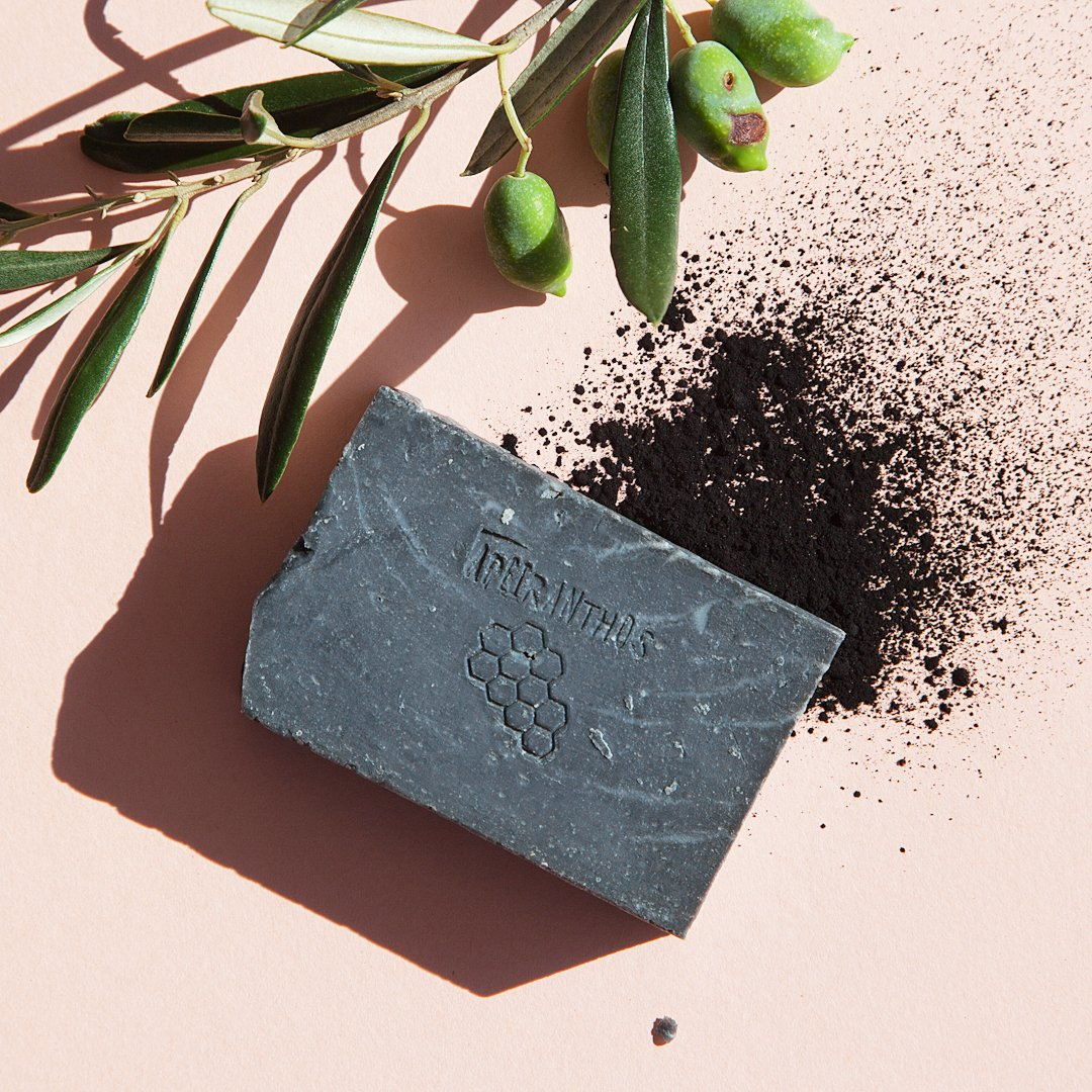Detox soap | Charcoal + Tea tree
