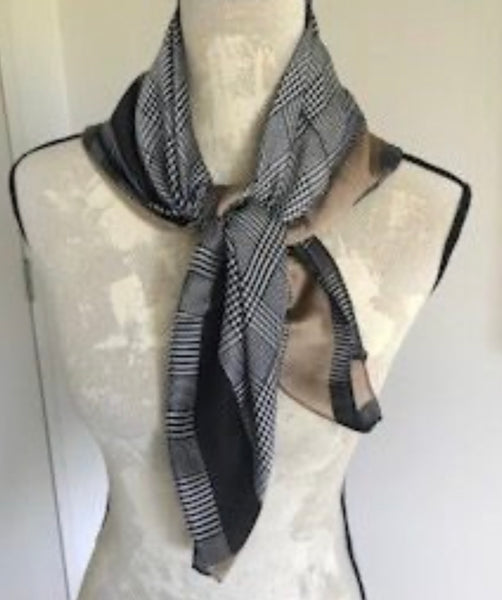 Bow - Houndstooth scarf
