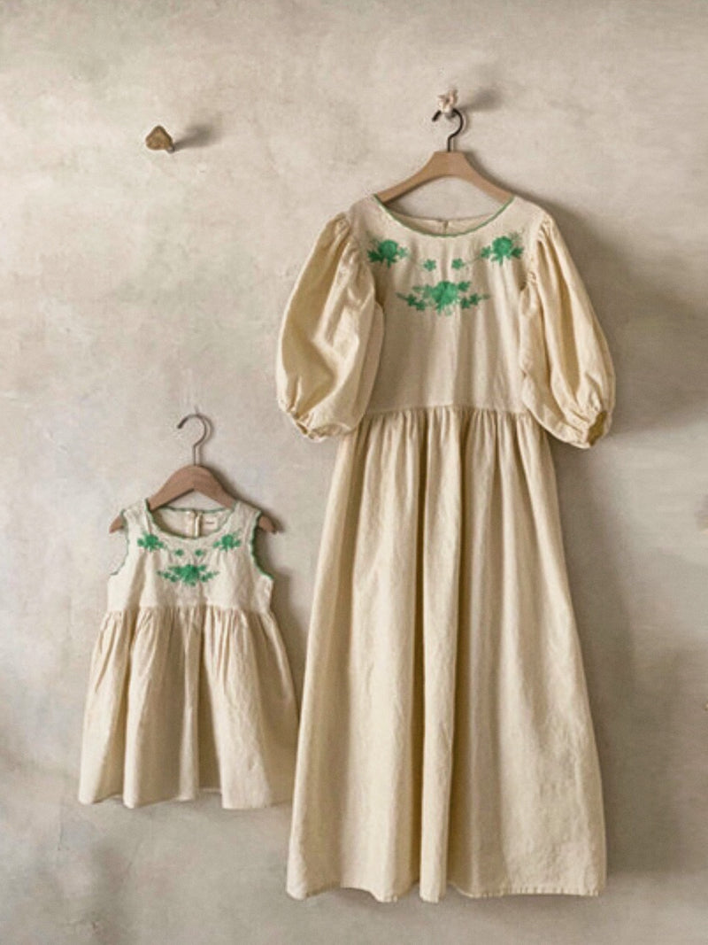 Mom Scollap Embroidery One-piece