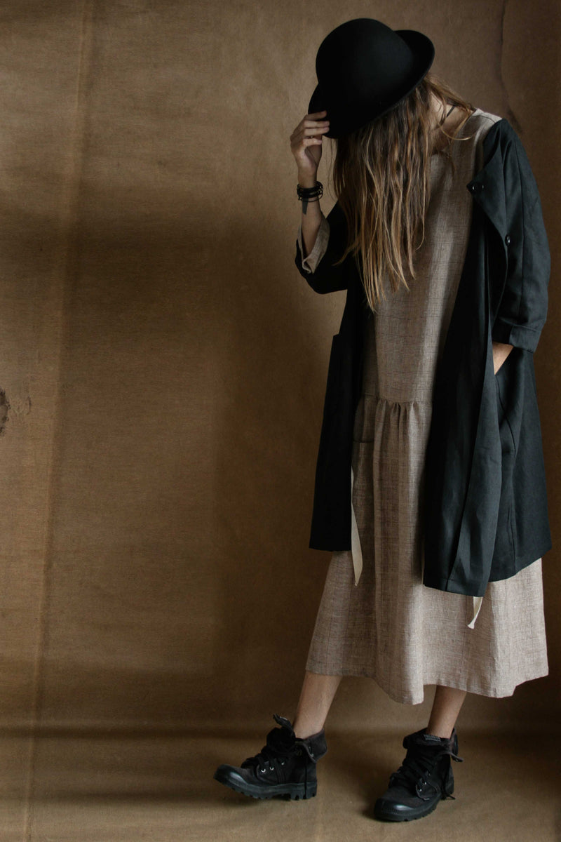 Old lovers linen trench