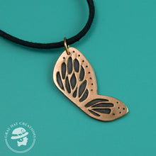 Load image into Gallery viewer, Copper spots & dots butterfly wing necklace