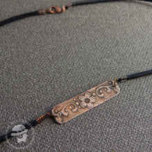 Load image into Gallery viewer, Copper floral bar necklace