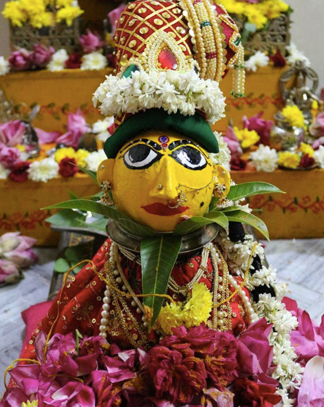 Types Of Flowers Used On Varamahalakshmi