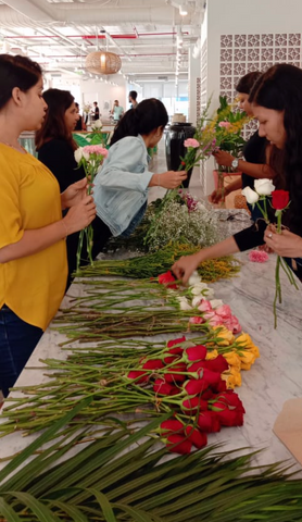 Rose Bazaar, Wework, India, Bangalore, Bouquet, Roses, Carnations, Chrysanthemums, Home decor, Home delivery