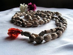 Tulsi garlands, Vishnu, worship, Tulsi mala, Tulsi leaves, rose bazaar, bangalore, pune