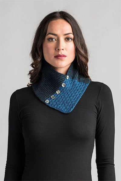 peacock lace neck