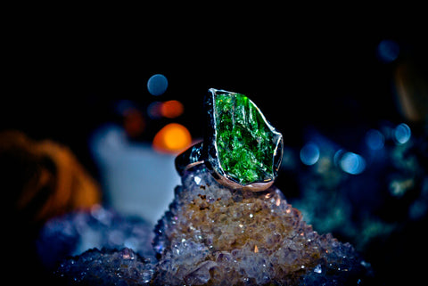 GENIE Ring of Youth, Beauty, Love & Wealth! *** Haunted Djinn of