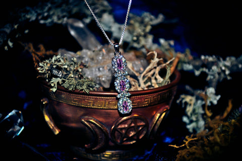 MONEY Enchanted Pagan Wiccan Spell Ritual Amulet of Wealth ~ Celebrity Luxury & Riches Spell Necklace! Haunted Secrets of the Famous & Elite Pendant Sterling Silver .925! $$