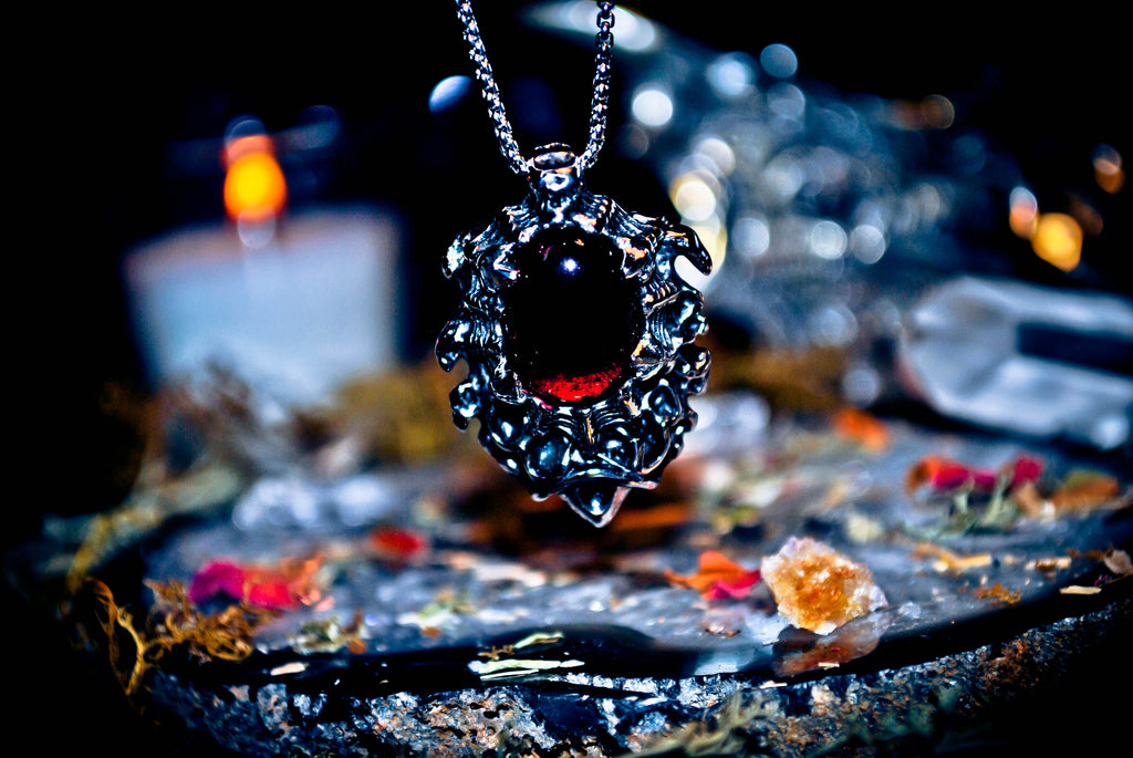 Real Vampire Djinn Sanguine Amulet of Eternal Wealth and IMMORTALITY