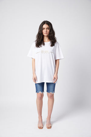 Oscar T Shirt. White with gold print.