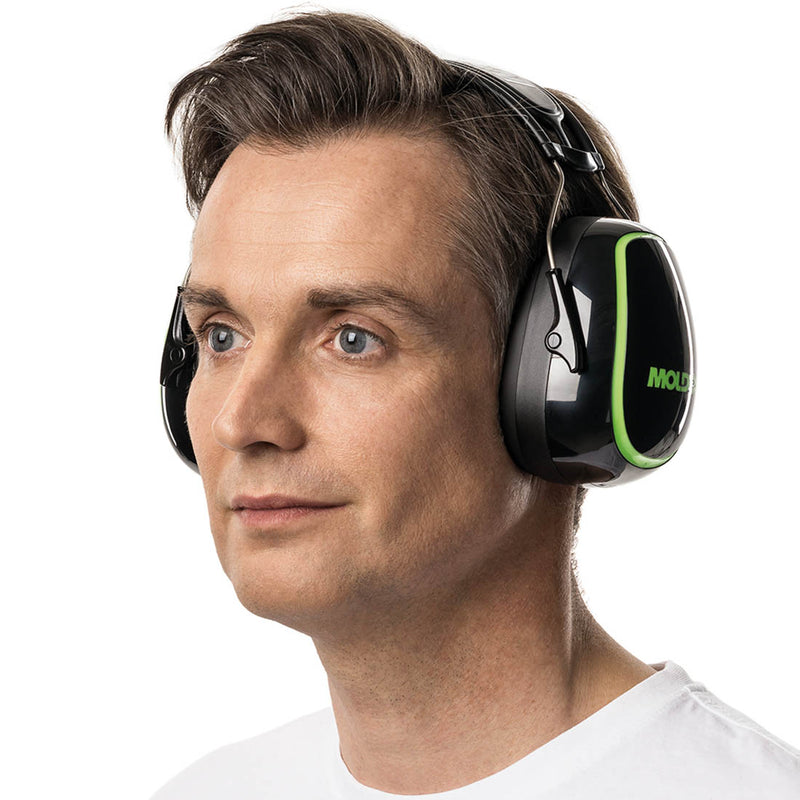 MOLDEX 6130 M6 Earmuffs with user