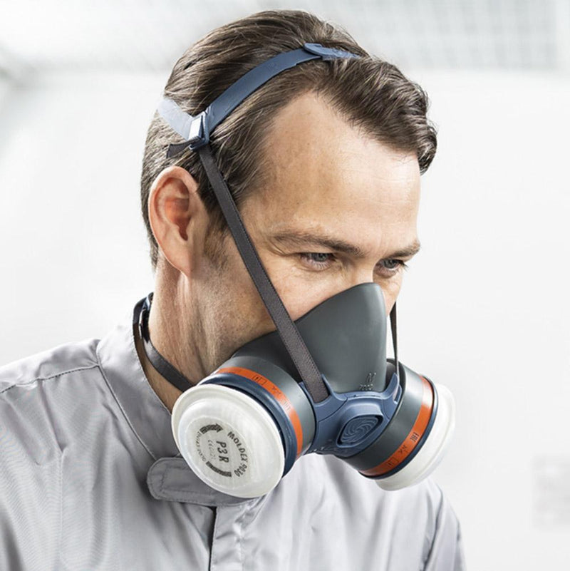Moldex 7432 ABEK1P3 R Half Mask with user