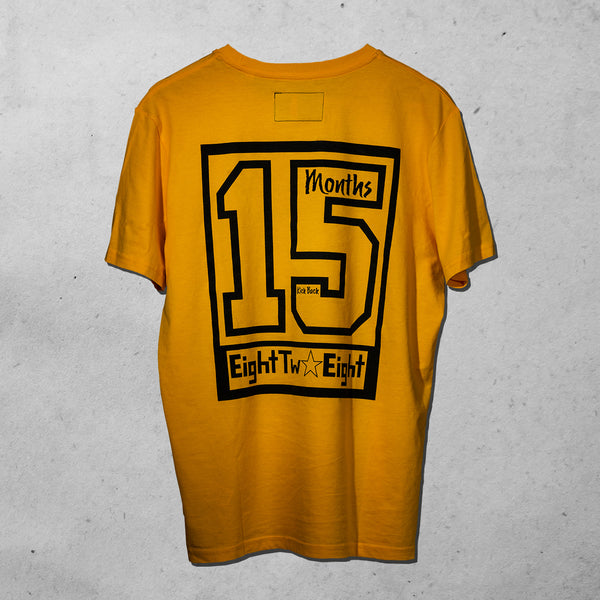 "EightTwoEight T-Shirt ""Fifteen Months"" ft. Kick Back Unisex Farbe Gelb"