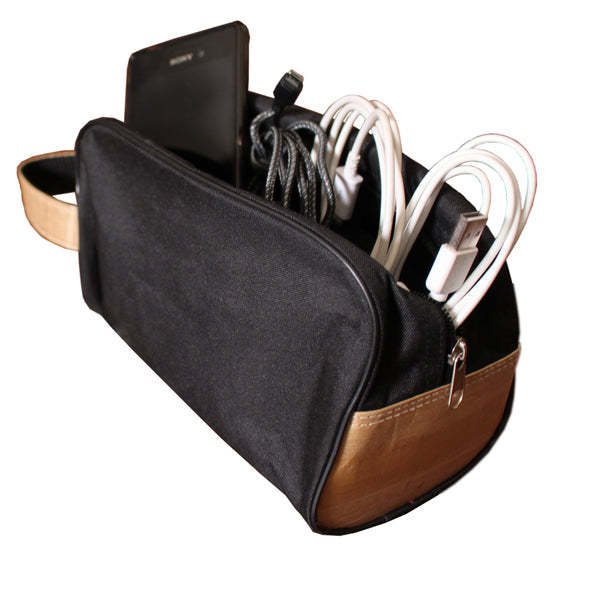Zipped Pouch with Vegan Leather Accents and Handle (CCKIT09) - Jacinto & Lirio