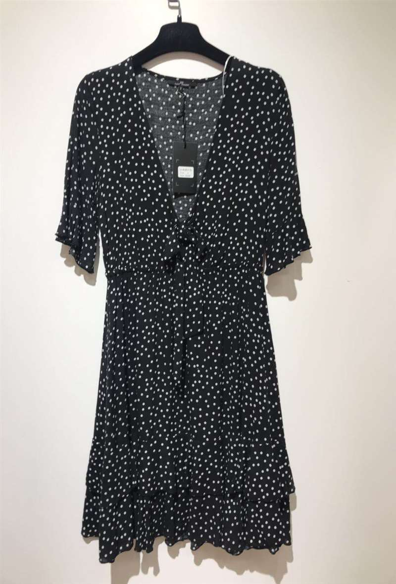products/robe-a-pois-black-1.jpg