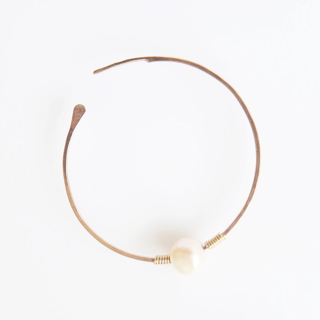 Haley Pearl Round Hoop Earrings in Rose Gold