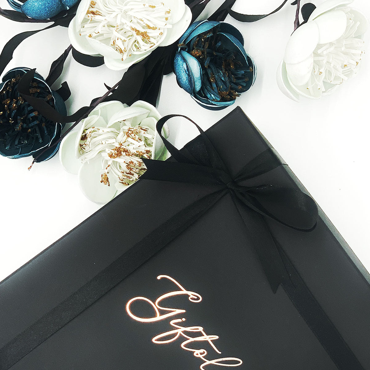 Gift Box/Gift Wrap & Card