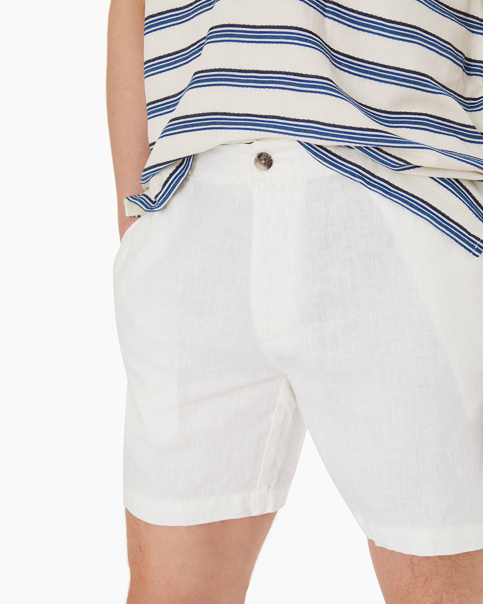 Moe Linen Shorts in White - 12 - Onia