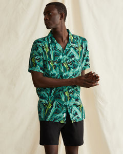 Vacation Ratti Banana Leaves Shirt in Leaf Green - 5 - Onia