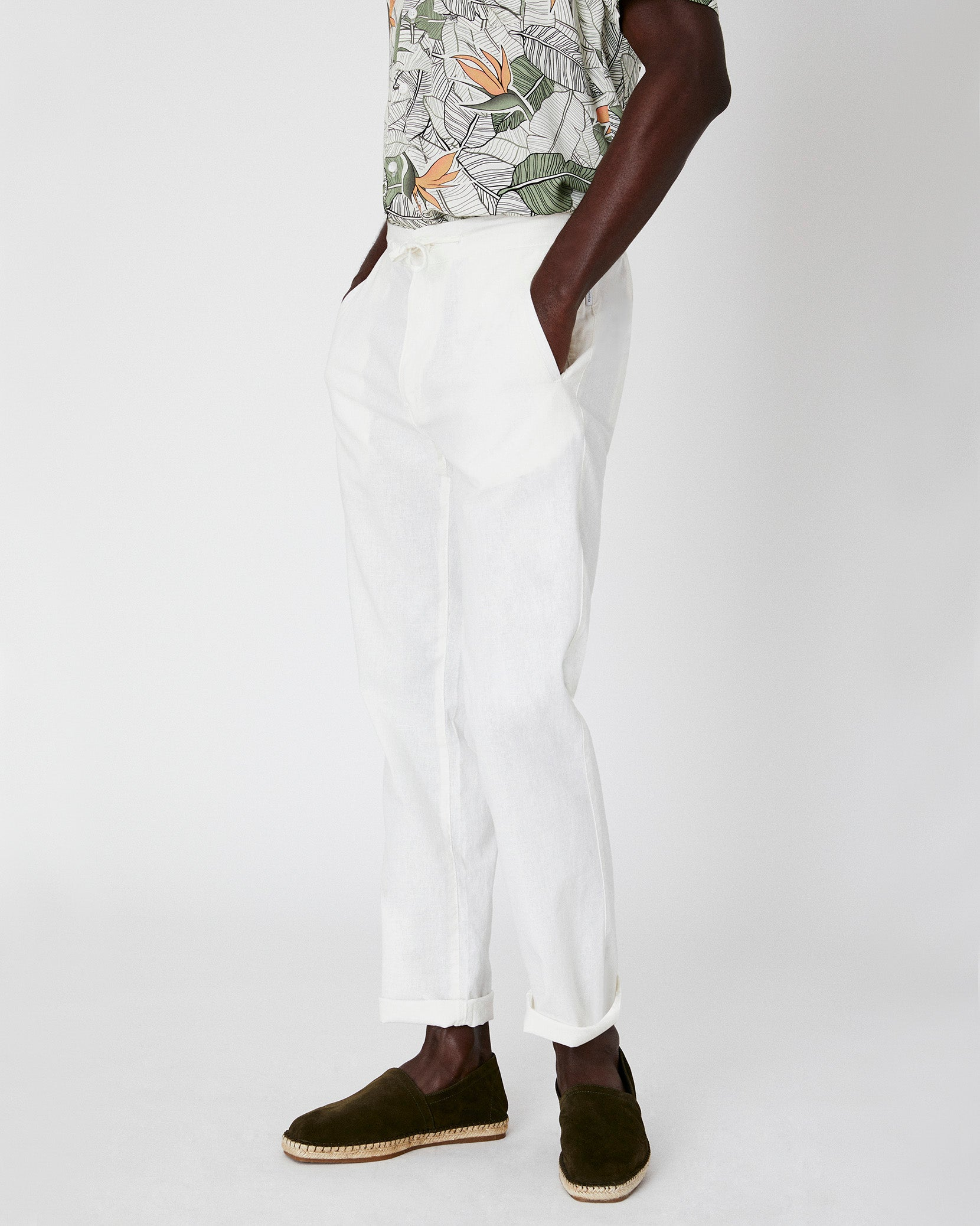 Collin Linen Pant in White - 7 - Onia