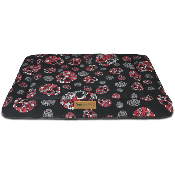 P.L.A.Y CHILL PAD - SKULLS AND ROSES