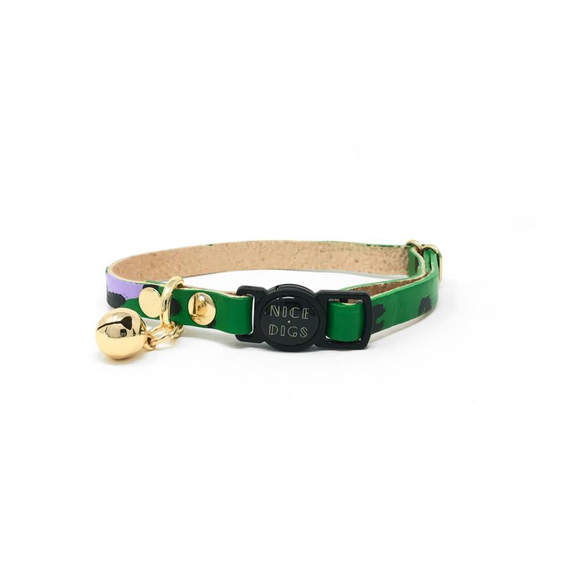 Cat Collar leather Green with gold bell                                                igs