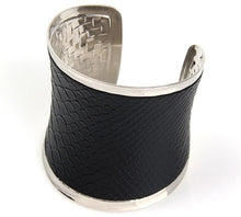 Load image into Gallery viewer, Cobra Cuff Bracelet