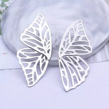 Load image into Gallery viewer, Flutter Stud Earrings