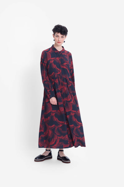 Fleur Print Shirt Long Sleeve Dress Model Front | RUST FLEUR PRINT