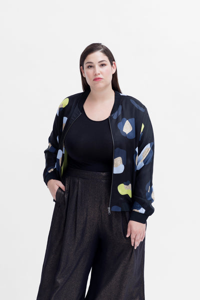 Poppy Print Lightweight Jacket Curve Model Front