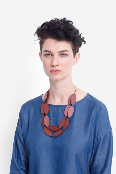 Leaf Double Strand Timber Necklace Model Front RUST